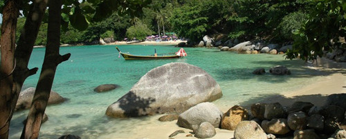 Exclusive and best private speed boat charters from Phuket Islands with Searunnerspeedboat.com.